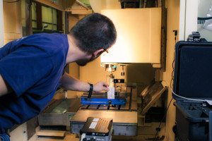 6. Using a business card to verify the functioning and alignment of the laser (light).