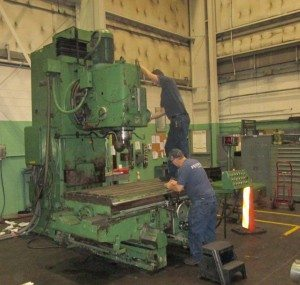 Droop & Rein heavy duty vertical mill in process of being repaired.